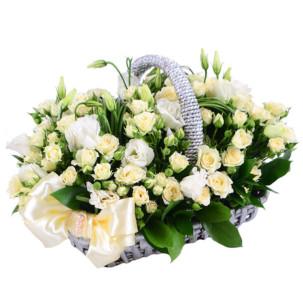 """Цветы в корзинке """"Эустомы"""""""